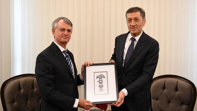Bakan Selçuk, Kanada Büyükelçisi Cooter´ı kabul etti
